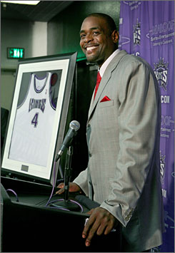 Former Sacramento forward Chris Webber talks about his time spent as a King during a pre-game news conference before the team's game against the Utah Jazz. Webber's No. 4 jersey was retired during a ceremony at halftime.