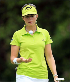 Paula Creamer had a ball in the first round of the HSBC Championship with her round of 5-under 67.