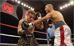 Shawn Estrada, right, is 2-0 as a pro with first-round KOs in both.
