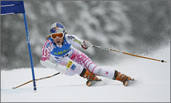 American skier Lindsey Vonn rounds a gate on the way to an eighth-place finish in Friday's giant slalom.