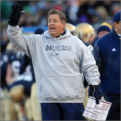 Despite his knee problems, Charlie Weis plans to be on sideline for Notre Dame games this fall.