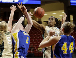 Melissa Jones, left, Kelli Griffin, second from right, and Baylor dispatched South Dakota State thanks to Griffin's game-winning shot with 0.5 seconds left.