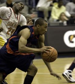 Avery Bradley scored 20 points, snared three rebounds and added three steals for national champ Findlay Prep.
