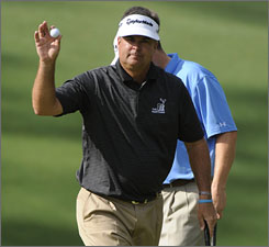Kenny Perry remains in great position to become the oldest winner in Masters history.