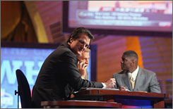 ESPN analyst Mel Kiper says teams shouldn't rely on his advice for their draft boards. &quot;I always say to people, 'I'm not picking.' My opinions, to NFL teams, don't matter. Teams don't care what I say,&quot; Kiper says. &quot;If I were an owner, and I knew my team was worrying about what Mel Kiper said, I wouldn't be happy.&quot;
