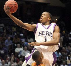 Eric Bledsoe, the 23rd ranked prospect and third-best point guard in this year's recruiting class according to Rivals.com, has announced he plans to attend Kentucky next season.