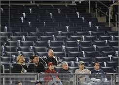 Many top seats at new Yankee Stadium are going unsold.
