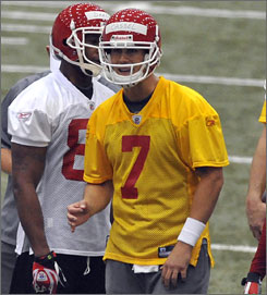 New Chiefs quarterback Matt Cassel talks to his offense during a team minicamp in April. Kansas City traded for Cassel in hopes of solving its problems at quarterback. Cassel stepped in for the injured Tom Brady and threw 21 touchdowns for the New England Patriots last season.