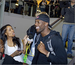 Fans greeted Terrell Owens at the Buffalo airport in a scene filmed for his new reality show.