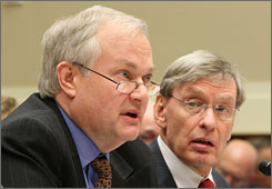 Donald Fehr, left, with Major League Baseball Commissioner Bud Selig, worked as the director of the MLB Players Association for 26 years, presiding over five collective bargaining agreements, but his opposition to stiffer drug testing policies drew criticism.