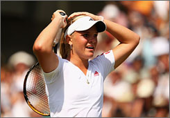American Melanie Oudin advanced to the fourth round by defeating No. 6 seed Jelena Jankovic on Saturday.