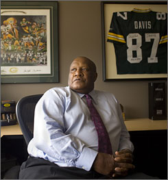 "Willie Davis, a former defensive end for the Green Bay Packers, has lost $9 million during the economic recession. Davis, a Hall of Famer, says, ""It's gone, I realize that. I just try to move on."""