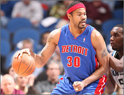 Rasheed Wallace will wear the Celtics' green and white next season.