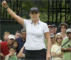 Cristie Kerr will enter the final round of the U.S. Women's Open with a two-stroke lead on Eun Hee Ji.