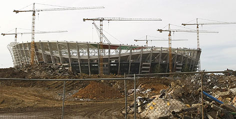 Work on cape town s green point soccer stadium and nine other world