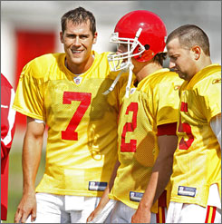 "Matt Cassel, left, led New England to an 11-5 mark in relief of Tom Brady last year. Said Brady of his former teammate, now the Chiefs' QB, ""I've never been around anybody who doesn't love being around Matt. And I'm at the top of that list."""
