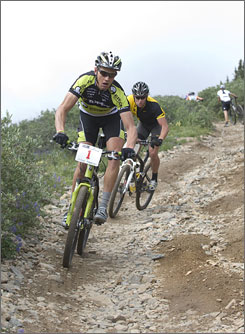 Dave Wiens and Lance Armstrong battled it out for much of 2008's edition of the Leadville 100 mountain bike race. This year Wiens thinks Armstrong is the favorite.