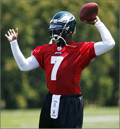 Michael Vick got his first taste of practice with the Eagles on Saturday morning.
