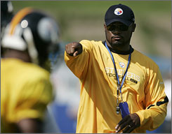 Pittsburgh coach Mike Tomlin and the rest of the Steelers are focused on the season ahead, refusing to dwell on last year's Super Bowl victory.
