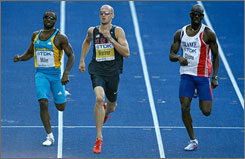 Jeremy Wariner advanced to the finals of the 400 meters at the world championships on Wednesday in Berlin. Wariner will face teammate LaShawn Merritt in the finals.