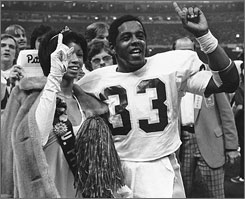 Tony Dorsett and the Pittsburgh Panthers went unbeaten in the 1976 season and won the national championship by beating Georgia in the Sugar Bowl.