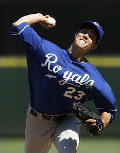 Royals starting pitcher Zack Greinke throws against the Mariners in the second inning of Kansas City's 3-0 win in Seattle.