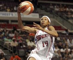 Guard Deanna Nolan scored a game-high 22 points to help the defending champion Detroit Shock beat the Atlanta Dream and advance to the Eastern Conference finals.