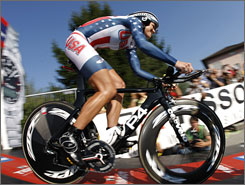 American Kristin Armstrong won the individual time trial world title on Wednesday in Switzerland.