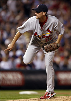 Cardinals starter Adam Wainwright won his 19th game of the season. He struck out 11 batters in eight innings.