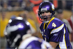 Vikings QB Brett Favre will play his former team, the Packers, for the first time ever on Monday night.