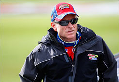 Mark Martin won his career-best seventh pole of the season after turning in the fastest lap at Kansas Speedway in Sunday's Sprint Cup race.