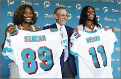 Dolphins owner Stephen Ross, center, recruited several minority investors, including Serena and Venus Williams, who might be able to bring new fans to his team.