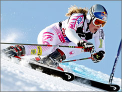 American Lindsey Vonn finished ninth in her first giant slalom event of the season.