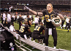 Jeremy Shockey and the Saints have won their first seven games.