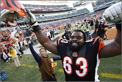 Bobbie Williams and the Bengals improve to 6-2 by beating the Ravens.