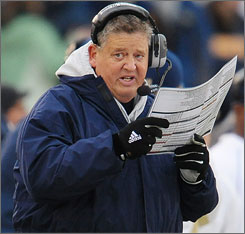Charlie Weis is feeling a lot of heat after Notre Dame's loss to Navy.
