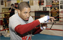 Though inexperienced, Andre Ward says he can exploit his opponent's weakness.