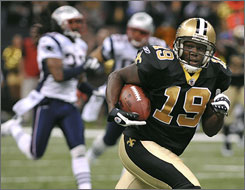 Saints WR Devery Henderson scored on a 75-yard pass from Drew Brees in the first half.