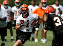 Former Bengals tight end Ben Utecht hasn't played since suffering a concussion in training camp.