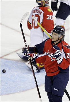 Alexander Semin celebrates after scoring the first of his two Capitals goals in Washington's fourth consecutive win.