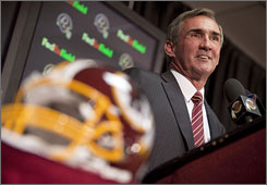 Mike Shanahan speaks to the press after being introduced officially as the new head coach of the Washington Redskins.