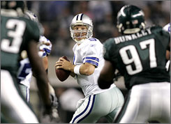 Tony Romo and the Cowboys have won four straight games as they head to Minnesota for the divisional playoffs on Sunday.