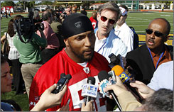 Ray Lewis and fellow NFL all stars began practices for Sunday's Pro Bowl on Wednesday.