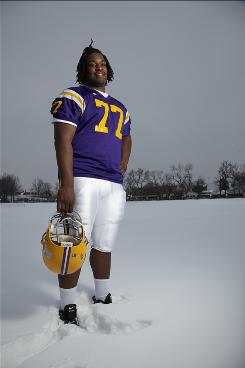 Offensive tackle Seantrel Henderson, the 2009 USA TODAY offensive player of the year, is the top recruit yet to announce his decision. He is expected to pick from among Florida, Ohio State, Oklahoma, Miami (Fla.), Minnesota, Notre Dame and Southern California.