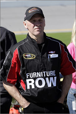 Pete Rondeau, former crew chief for Dale Earnhardt Jr., is now working as the car chief for Regan Smith at Furniture Row Racing.