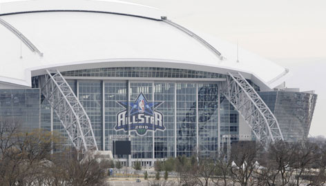 The NBA All-Star Game at Cowboys Stadium is expected to draw 90,000-plus fans at new football facility.