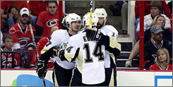 Chris Kunitz and Bill Guerin gave Sidney Crosby, left, solid, productive linemates during the Penguins' playoff run.