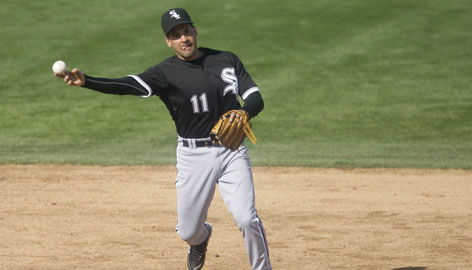 White Sox infielder Omar Vizquel wants to manage after his playing days are over. &quot;He's smart and knows the game,&quot; manager Ozzie Guillen said of Vizquel.