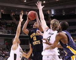 Murray State's Isacc Miles goes up for a shot against the Vanderbilt defense during their first-round game of the NCAA tournament in San Jose, Calif.