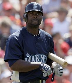 The Mariners expect outfielder Milton Bradley to be an offensive force.